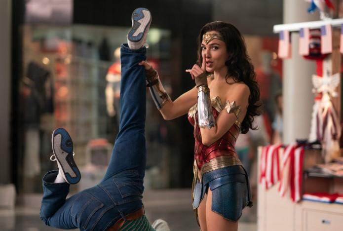 บ็อกซ์ออฟฟิศ วันเดอร์วูแมนได้รับความนิยมอย่างมากในโรงภาพยนตร์การเปิดไพ่แบบสตรีมมิ่ง